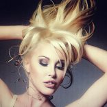 Chloe Lattanzi's Art and Beauty: A Strategy for Supermodel Sanity and Success