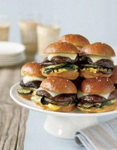 Fresh_Easy_Grilled_Portobello_Mushroom_Sliders_Spring