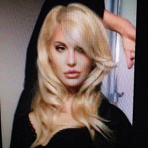 Chloe blonde