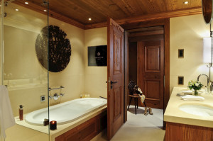 Rooms & Suites (9)